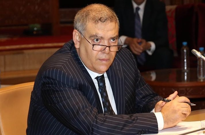 صورة وزير الداخلية يحث رؤساء الجهات والجماعات على «تزيار السمطة»