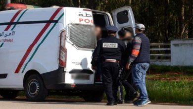 صورة قمة التهور… دوري لكرة القدم والنزول للشاطئ يقود أشخاصا للاعتقال