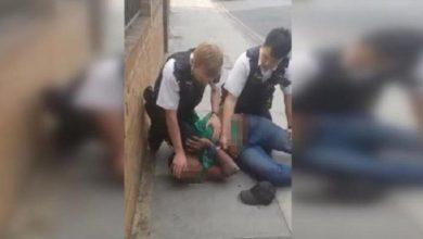 صورة بالفيديو.. حادثة فلويد تتكرر في بريطانيا