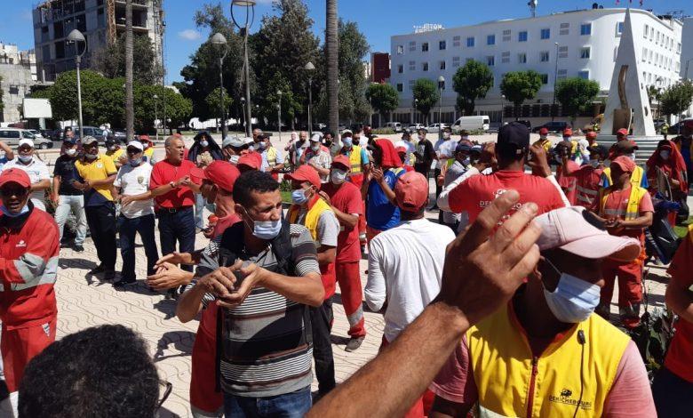 صورة عمال النظافة يحتجون تزامنا مع دورة لجماعة القنيطرة