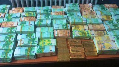صورة حجز 20 كيلو من الذهب بوجدة و2,5 مليون أورو واعتقال أربع مشتبه فيهم