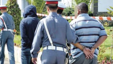 صورة إيقاف زعيم عصابة روعت المسافرين بالطريق السيار ضواحي الرباط