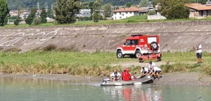 صورة طفلة مغربية ظلت جثتها عالقة وسط نهر بإيطاليا لعشرين يوما