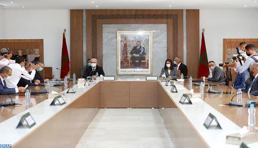 صورة وزيرة السياحة تتدارس مع المهنيين الوضعية المقلقة بمراكش