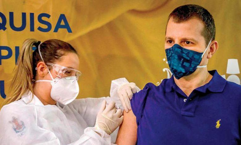 البرازيل تقرر الشروع في تطعيم مواطنيها بلقاح كورونا الصيني الذي يجري المغرب تجاربا سريرية حوله
