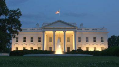 صورة كورونا يحول البيت الأبيض لأخطر بؤرة وبائية في العالم