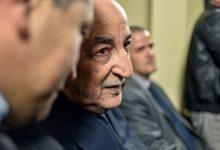 صورة نقل الرئيس الجزائري إلى مستشفى عسكري قبل انتهاء فترة عزله الصحي