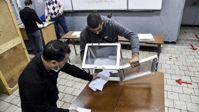 كورونا والتمسك بمطالب الحراك يضعفان من إقبال الجزائريين على صناديق الاستفتاء على دستور تبون